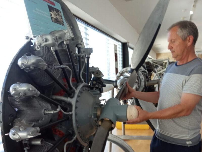 Nueva hélice a mano para el motor de estrella